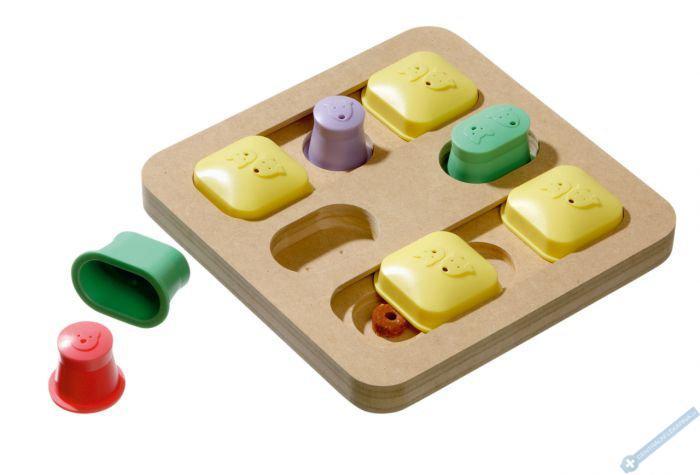 Interaktivní hračka pro psy QUADRO 25x25x5cm