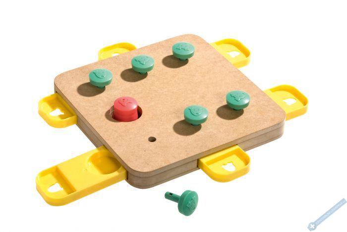 Interaktivní hračka pro psy CUBE 32x32x5cm
