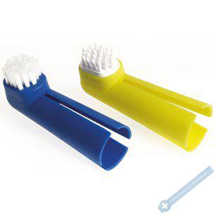 Zubní kartáček na prst